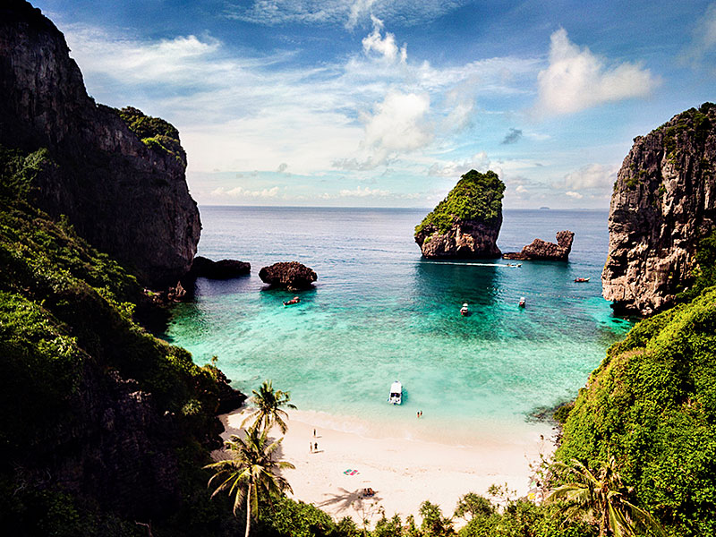 best-diving-phi-phi-island-krabi